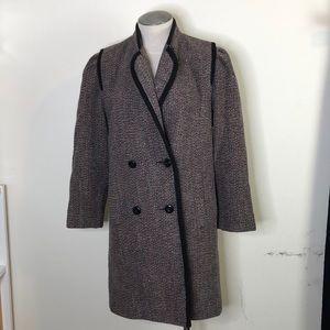 100% wool vintage tweed coat, beautiful condition